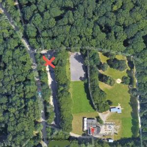 Buocher Waldparkplatz,  Treffpunkt für Paare